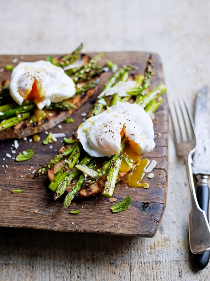Grilled asparagus & poached egg on toast Read more at http://www.jamieoliver.com/recipes/eggs-recipes/grilled-asparagus-poached-egg-on-toast/#OGixWMFYFYAahA18.99
