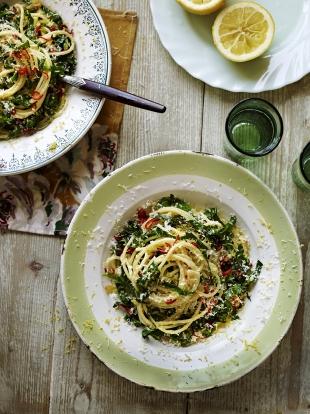 Spaghetti aglio, olio & spring greens