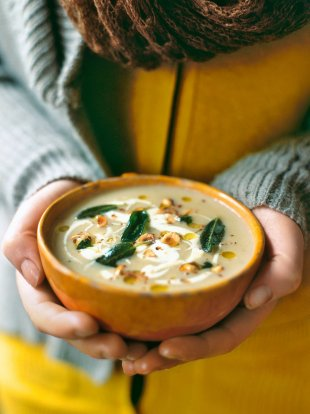 Apple & celeriac soup