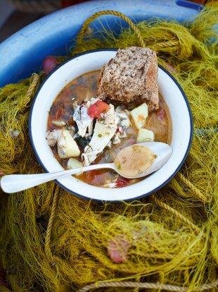 Aegean kakavia (Beautiful fish stew)