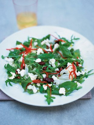 Herb salad with goat's cheese