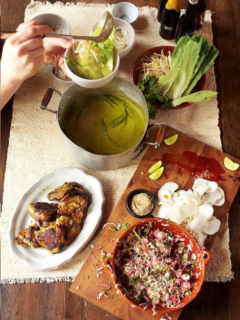 Green curry, crispy chicken, kimchee slaw, rice noodles