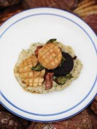 Seared scallops & creamy mash