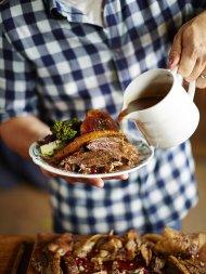 Spiced roast goose