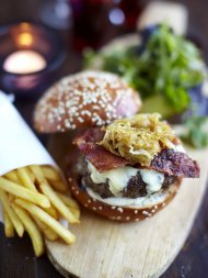 Louie and Gennaro's 'ultimate' cheeseburgers