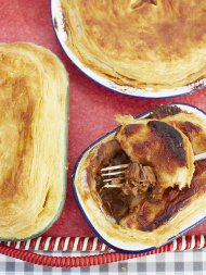 Scrumptious steak & stout pie