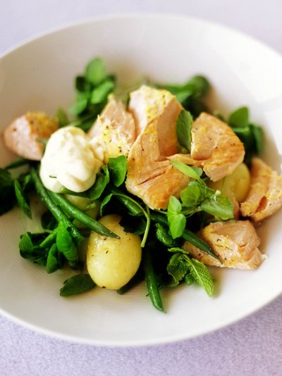 Roast salmon salad