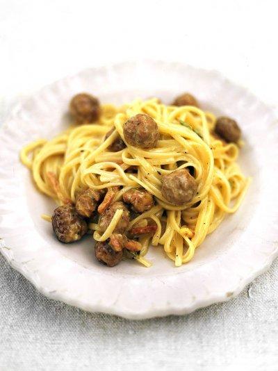 Sausage carbonara (Linguine alla carbonara di salsiccia)