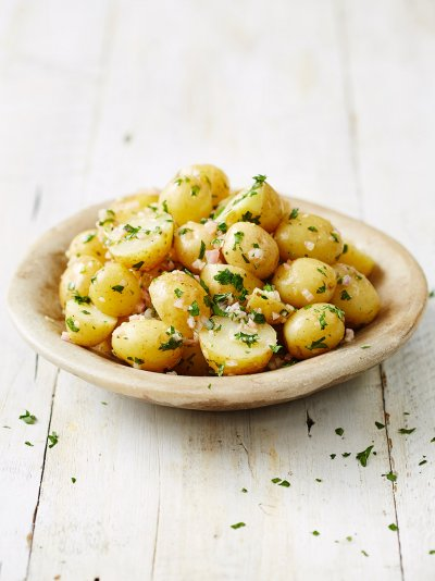 New potato salad with shallots, parsley and vinaigrette