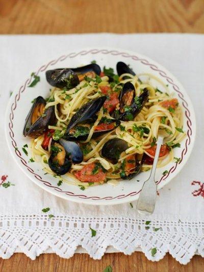 Grandad's mussel linguine (Linguine con cozze di Nonno)