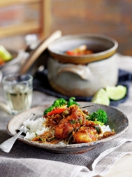 Vietnamese fish hot pot (Ca kho to)