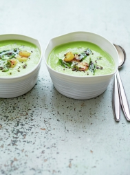 Summery pea soup with turmeric scallops