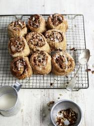 Wholewheat maple cinnamon buns