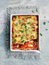 Cannelloni with beef ragù and gorgonzola