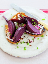 Roasted beetroot toast