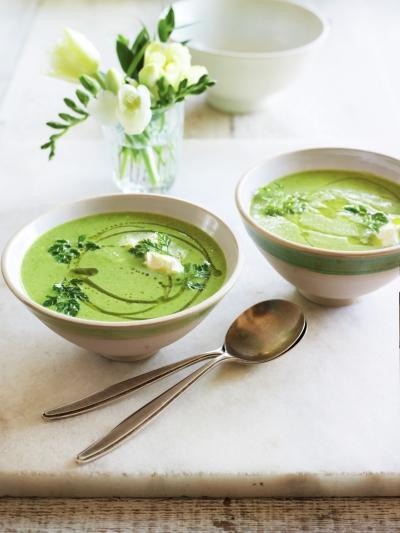 Chilled pea & chervil soup with crème fraîche