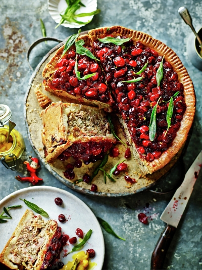 Jamie's turkey, pork & cranberry pie