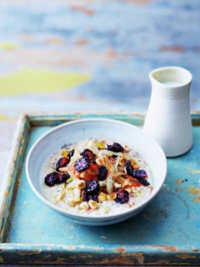 Four-grain coconut porridge with autumnal fruit