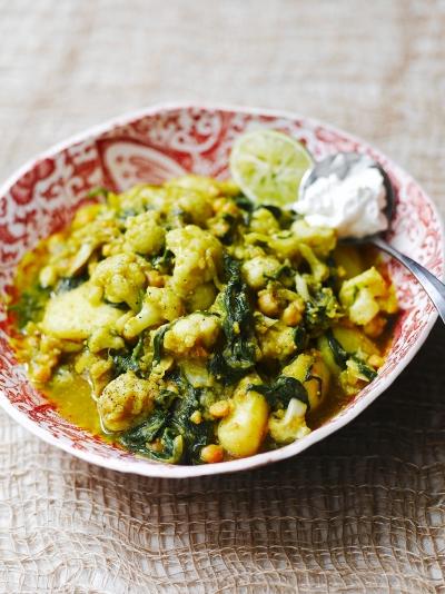 Curried cauli, potatoes, chickpeas & spinach